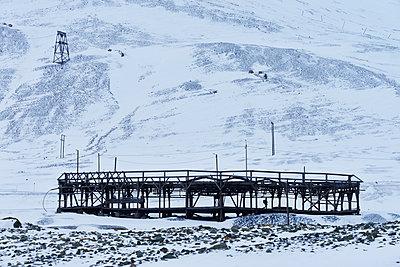 Stillgelegtes Bergwerk Spitzbergen - p1203m1189814 von Bernd Schumacher
