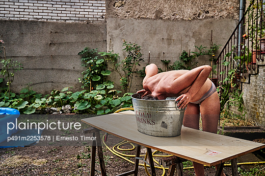Cooling off - p491m2253578 by Ernesto Timor