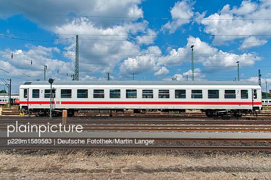Abstellgleis - p229m1589583 von Martin Langer