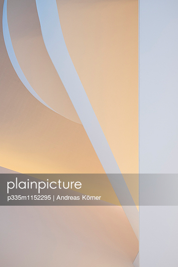 Treppenhaus Design - p335m1152295 von Andreas Körner
