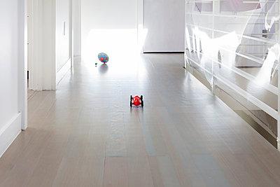 Kinderspielzeug - p756m1057149 von Bénédicte Lassalle