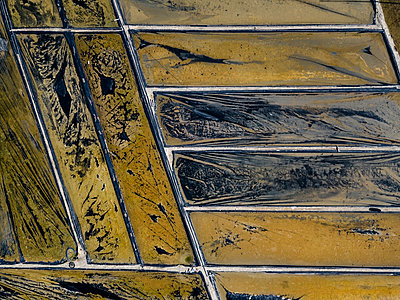 Aerial view of Salt plantations - p1166m2094403 by Cavan Images