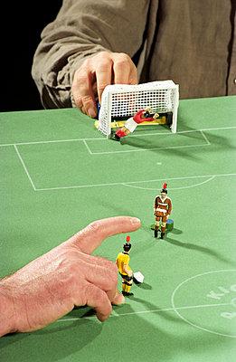 Fußball auf dem Tisch - p2290027 von Martin Langer