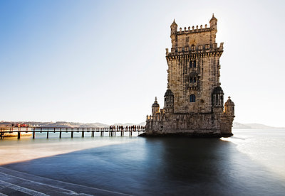 Portugal, Lisbon, View of Belem tower - p300m1587907 von Ramon Espelt