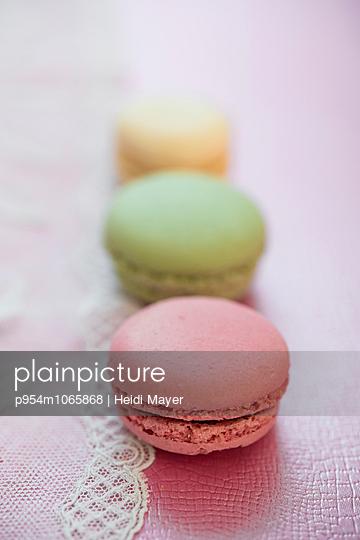 Macarons - p954m1065868 von Heidi Mayer