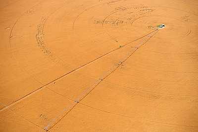 USA, Aerial of irrigated wheat field in Eastern Colorado, USA - p300m2023942 by Cameron Davidson