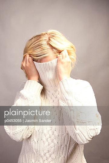Shame - p0453055 by Jasmin Sander
