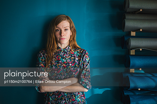 Portrait of red-haired woman - p1150m2100764 by Elise Ortiou Campion