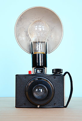 Vintage camera with flash - p1614m2185786 by James Godman