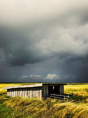 Dramatic weather mood - p382m2284016 by Anna Matzen