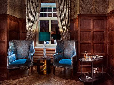 Villa mit luxuriöser Inneneinrichtung - p390m1362311 von Frank Herfort