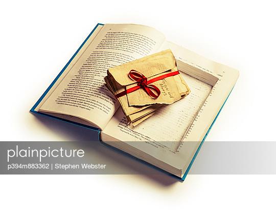 Secrets - p394m883362 by Stephen Webster