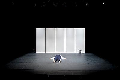 A theatre scene - p1610m2264144 by myriam tirler
