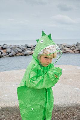Junge am Meer - p1319m2031094 von Christian A. Werner