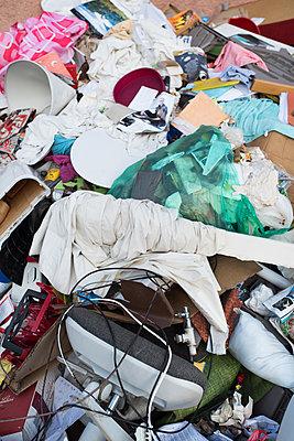 Müll - p954m1467508 von Heidi Mayer