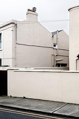 Weiße Wände - p1271m1083978 von Maurice Kohl