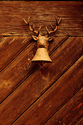 Door bell with deer - p248m853993 by BY