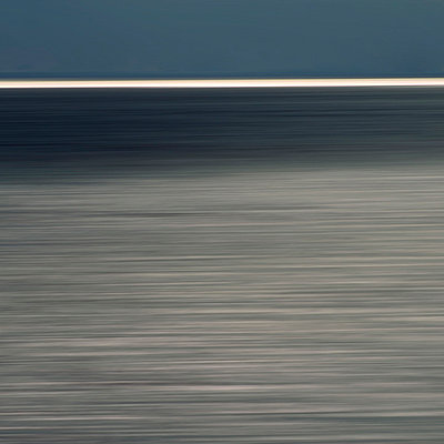 Horizon over sea - p813m778795 by B.Jaubert