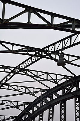iron bridge - p876m1423567 by ganguin