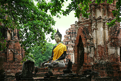 Wat Mahathat Ayutthaya - p1038m769502 von BlueHouseProject