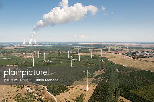 Wind farm in the former opencast mining - p1079m2152596 by Ulrich Mertens