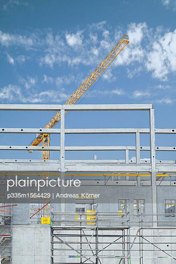 Baustelle einer Lagerhalle - p335m1564429 von Andreas Körner