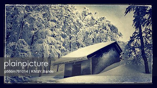 Idylle im Winter - p586m781014 von KNSY Bande