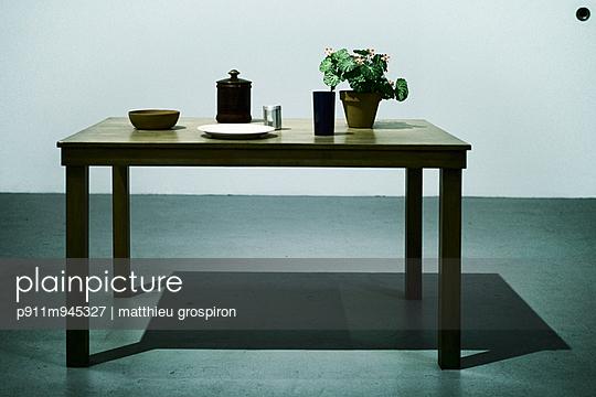 Tisch - p911m945327 von matthieu grospiron