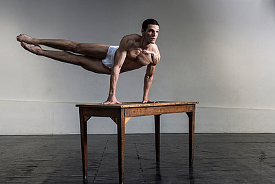 Dancer with table - p1139m924470 by Julien Benhamou