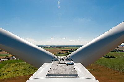 Windkraft, Cher, Frankreich - p1079m1074166 von Ulrich Mertens