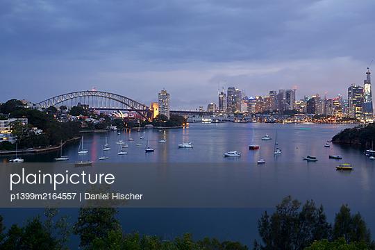 Sydney Skyline - p1399m2164557 by Daniel Hischer
