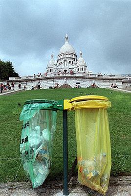 Müllsäcke - p1205m1040774 von Hana Jakrlova