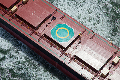 Aerial view of helipad on freighter - p555m1301658 by Tom Paiva Photography