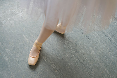 Legs of ballet dancer - p555m1491109 by Mark Edward Atkinson