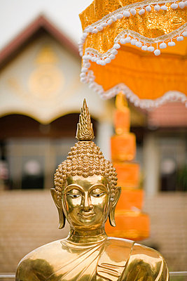 Watchaisripoom temple - p9245749f by Image Source