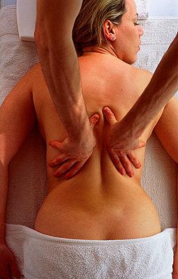 Massage - p8850284 by Oliver Brenneisen