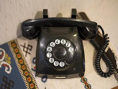 Altes Telefon - p945m1161593 von aurelia frey