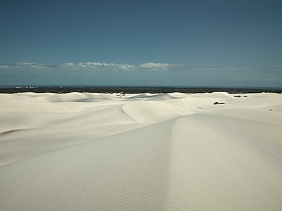 Dünenlandschaft - p1200m1118830 von Carsten Görling