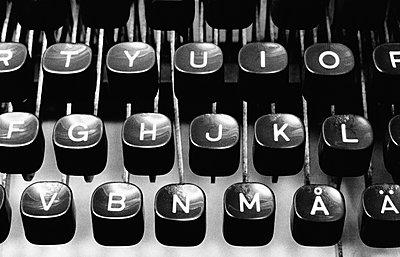 Alte Schreibmaschine - p1418m1571583 von Jan Håkan Dahlström