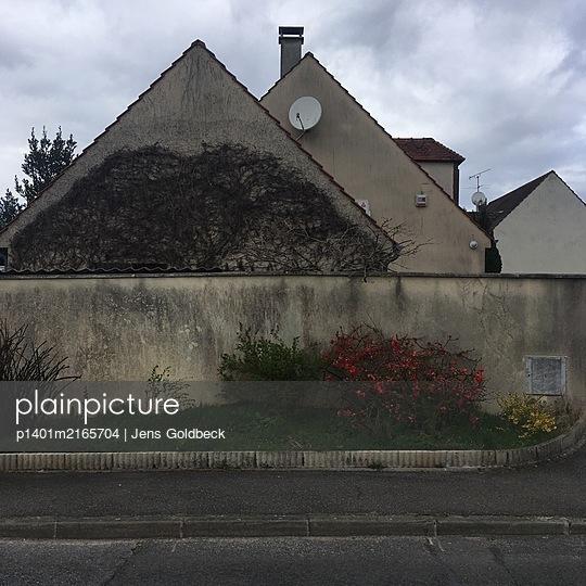 France, Neuville-sur-Oise, Building - p1401m2165704 by Jens Goldbeck
