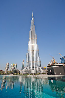 Burj Khalifa - p1276m1092433 by LIQUID