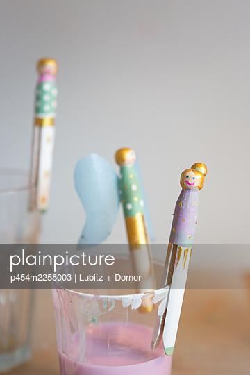 Handicraft angels - p454m2258003 by Lubitz + Dorner