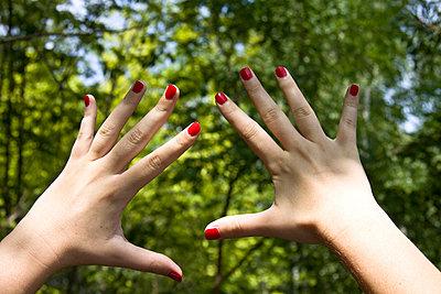 Red nails - p7950093 by JanJasperKlein