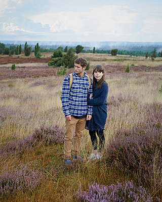 Couple in heath - p1124m931790 by Willing-Holtz