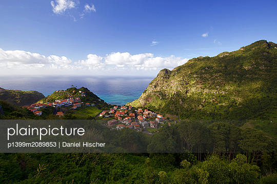 Mountain Village view - p1399m2089853 by Daniel Hischer