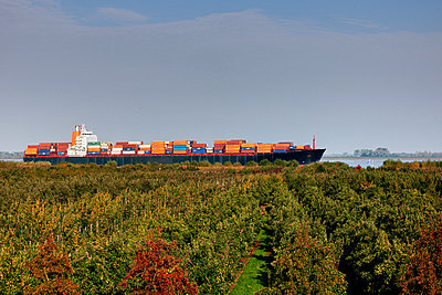 Container ship - p1099m882886 by Sabine Vielmo