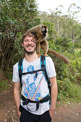 Portrait mit Lemur - p1272m1515595 von Steffen Scheyhing