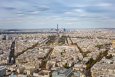 View of Eiffel Tower - p524m2038533 by PM