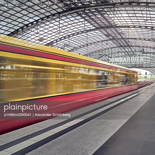S-train in Berlin - p1696m2293041 by Alexander Schönberg