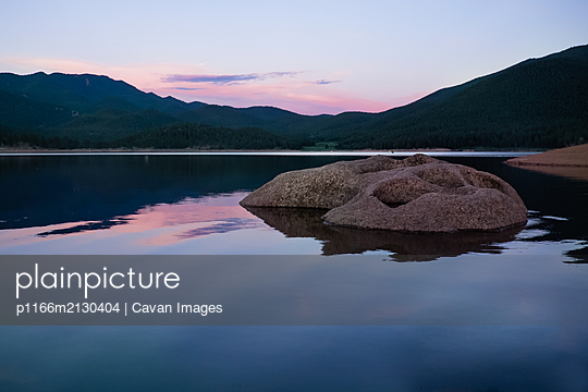 sunset at the lake - p1166m2130404 by Cavan Images